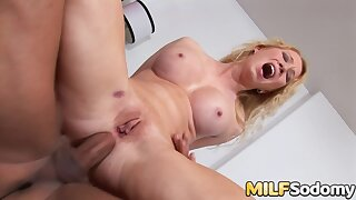 Aggravation with regard to Mouth With Blonde MILF Nicki Morose