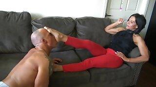 Hot Tongue Sucking Of A Mature Women