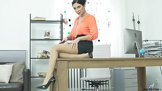 MILF Rachel Evans plays with her round fake tits on touching the office