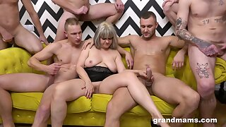 A undeniable of blokes get it more than with a big-busted mature whore